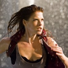 Claire (Ali Larter) in azione nel film Resident Evil: Afterlife