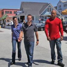 LL Cool J, Chris O'Donnell e Daniela Ruah in strada nell'episodio Human Traffic di NCIS: Los Angeles
