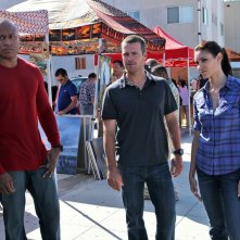 LL Cool J, Chris O'Donnell e Daniela Ruah in una scena dell'episodio Human Traffic di NCIS: Los Angeles