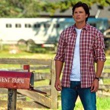 Tom Welling alla fattoria dei Kent nell'episodio Lazarus di Smallville