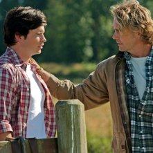 Tom Welling e John Schneider in una sequenza dell'episodio Lazarus di Smallville