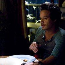Michael Raymond-James in una scena della serie Terriers