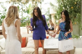 AnnaLynne McCord, Khloe Kardashian e Kim Kardashian nell'episodio Senior Year, Baby di 90210