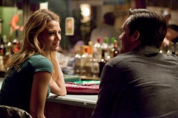 Blake Lively con Jon Hamm in The Town (2010)