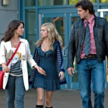 Shiri Appleby, Brittany Robertson e Kristoffer Polaha nell'episodio Parents Unemployed di Life UneXpected