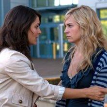 Shiri Appleby e Brittany Robertson in una scena dell'episodio Parents Unemployed di Life UneXpected