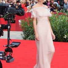 Venezia 2010: Delfine Bafort sul red carpet per presentare Promises Written In Water