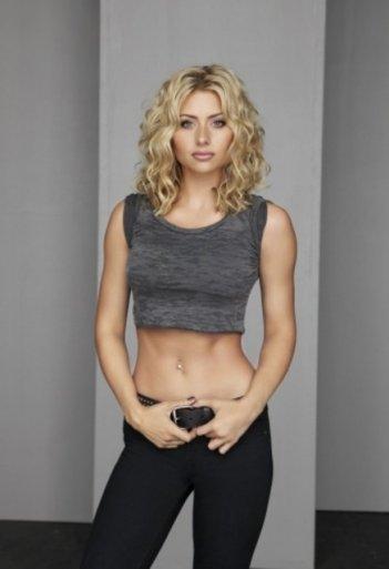 Alyson Michalka in una foto promozionale di Hellcats