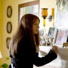 Anna Torv in un momento dell'episodio Olivia, premiere della terza stagione di Fringe