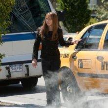 Anna Torv in una scena dell'episodio Olivia di Fringe
