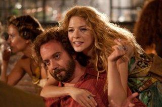 Paul Giamatti e Rachelle Lefevre nel film Barney's Version