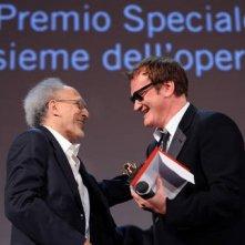 Venezia 2010: Quentin Tarantino consegna il Leone d'Oro speciale a Monte Hellman per il suo Road to Nowhere