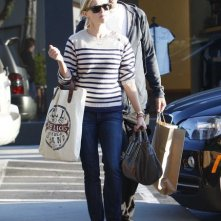 Reese Witherspoon e il fidanzato Jim Toth fanno shopping a Malibu, in California