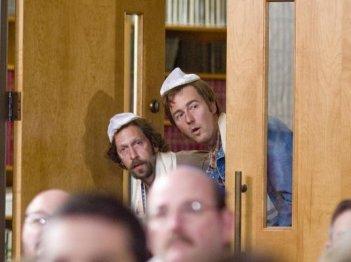Edward Norton insieme a Tim Blake Nelson nel film Leaves of Grass