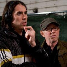 Il regista Brad Peyton con Steven Poster sul set di Cats & Dogs: The Revenge of Kitty Galore