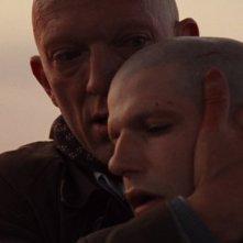 Vincent Cassel e Olivier Bartélémy, irriconoscibili nel film Notre jour viendra