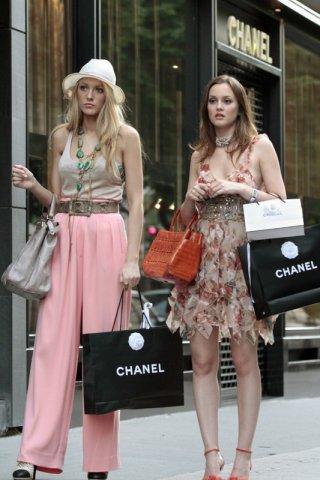 Leighton Meester e Blake Lively fanno shopping nella puntata Belles de Jour di Gossip Girl