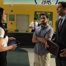 Olivia Munn, Joshua Gomez e Zachary Levi nell'episodio Chuck Versus the Anniversary