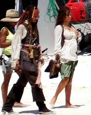Penelope Cruz fotografata sul set di Pirates of the Caribbean: On Stranger Tides