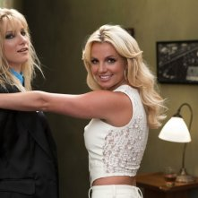 Heather Morris e Britney Spears nell'episodio Britney/Brittany di Glee