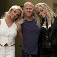 Ryan Murphy, Heather Morris e Britney Spears sul set dell'episodio Britney/Brittany di Glee