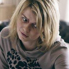 Sophie Vavasseur in un'immagine inquietante tratta dall'horror Exorcismus