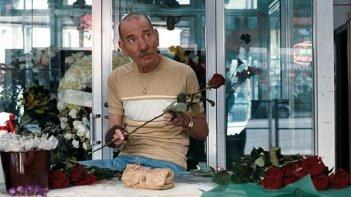 Pete Postlethwaite nel film The Town (2010)