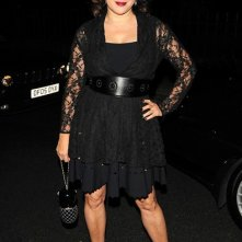 Jennifer Tilly posa per i fotografi durante la London Fashion Week