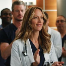 Kim Raver nell'episodio With You I'm Born Again di Grey's Anatomy