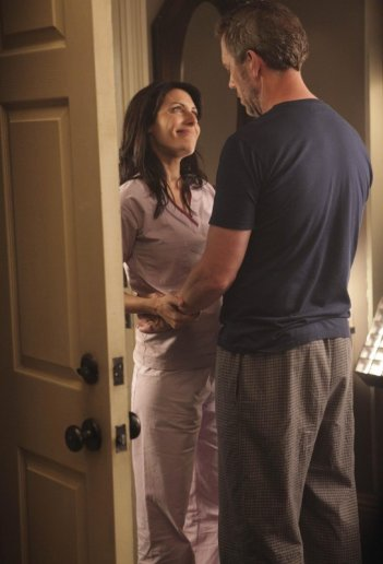 Lisa Edelstein ed Hugh Laurie nell'episodio Now What? di Dr House
