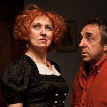 Maria Paiato e Silvio Orlando in una scena del film La passione