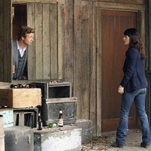 Simon Baker e Robin Tunney nell'episodio Cackle-Bladder Blood di The Mentalist