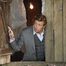 Simon Baker in una scena dell'episodio Cackle-Bladder Blood di The Mentalist