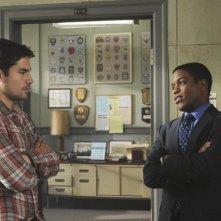 D.J. Cotrona e Jon Michael Hill nel pilot della serie Detroit 1-8-7