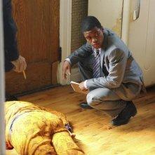 Jon Michael Hill in una scena dell'episodio Nobody's Home/Unknown Soldier di Detroit 1-8-7