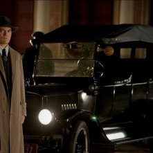 Michael Shannon in una scena del pilot della serie HBO Boardwalk Empire