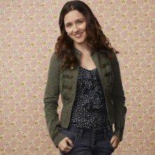 Shannon Woodward in una foto promozionale della serie Raising Hope