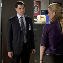A.J. Cook e Thomas Gibson nell'episodio JJ di Criminal Minds
