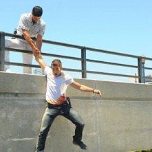 Adam Rodriguez e Jonathan Togo nell'episodio Sudden Death di CSI Miami