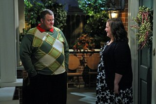 Billy Gardell e Melissa McCarthy nell'episodio First Date di Mike and Molly