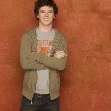Charlie McDermott nel ruolo di Axl nella stagione 2 della serie The Middle