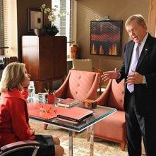 Christine Baranski con la guest star Lou Dobbs nell'episodio Double Jeopardy di The Good Wife