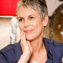 Jamie Lee Curtis nella commedia You Again