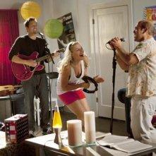 Josh Hopkins, Busy Philipps ed Ian Gomez nell'episodio Makin' Some Noise di Cougar Town