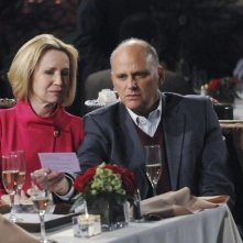 Kurt Fuller e Debra Jo Rupp nel pilot di Better with You
