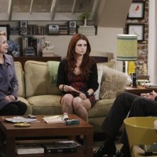 Kurt Fuller, Joanna Garcia e Debra Jo Rupp nell'episodio Better with Firehouse di Better with You