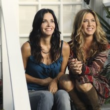 Reunion tra Courteney Cox e Jennifer Aniston nell'episodio All Mixed Up di Cougar Town