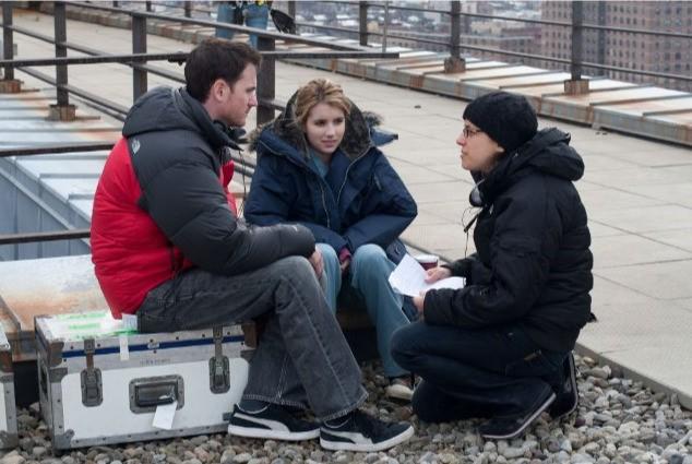 Ryan Fleck Emma Roberts E Anna Boden In Una Scena Del Film It S Kind Of A Funny Story 176139