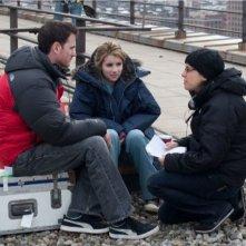Ryan Fleck, Emma Roberts e Anna Boden in una scena del film It's Kind of a Funny Story