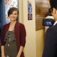 Jessica Stroup in una scena dell'episodio 2012 Vision di 90210